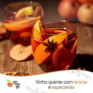 Vinho quente com laranja e especiarias